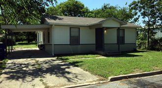 303 Market St, Whitesboro, TX 76273